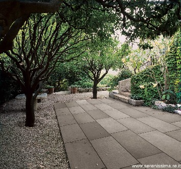 https://www.ceramicheminori.com/immagini_pagine/29-12-2020/pavimenti-per-esterno-83-2780-330.jpg