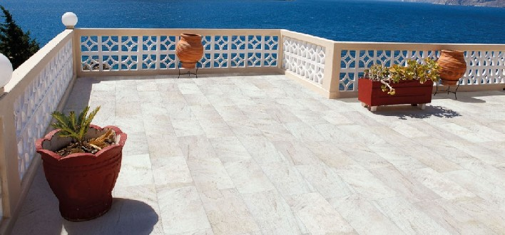 https://www.ceramicheminori.com/immagini_pagine/29-12-2020/pavimenti-per-esterno-83-2799-330.jpg