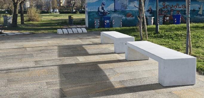 https://www.ceramicheminori.com/immagini_pagine/29-12-2020/pavimenti-per-esterno-83-2815-330.jpg